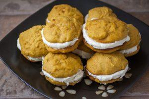 pumpkin-whoopie-pies-dt2
